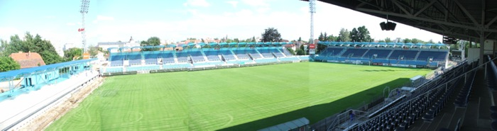 http://www.dynamocb.cz/foto/stadion/060703_01.jpg